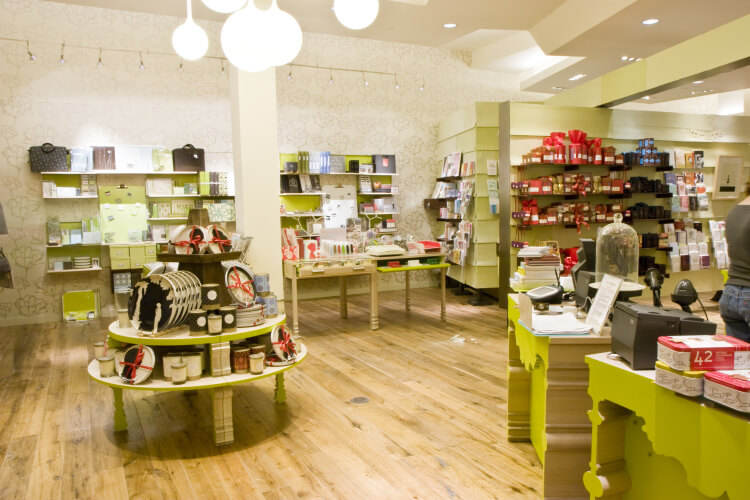 Pompei c3 paper thread pompei c3 and the well known us greeting card company american greetings worked together to create a new retail concept that will transform the greeting m4hsunfo Images